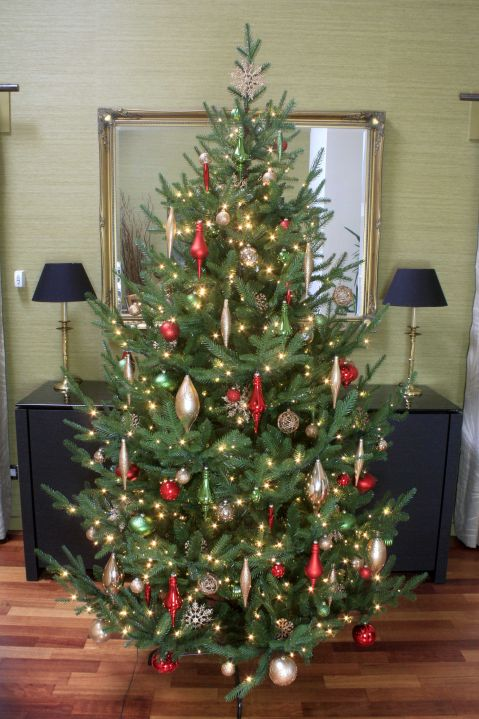 Artifical Christmas Trees.The Pre Lit Ultra Mountain Pine 4ft To 10ft